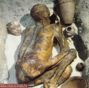 Processo natural de mumificação, c. 3.500a.C.