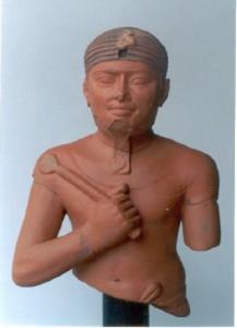 Busto Escriba, escultura em terracota de Vilela