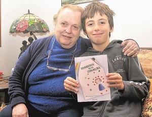 Foto da autora e seu neto Luca, feita por Fabio Rogerio