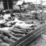 Foram 911 os mortos em suicídio coletivo promovido por Jim Jones, incluindo ele próprio