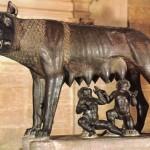 Os irmãos Rômulo e Remo, segundo o mito, criados e alimentados pela loba capitolina