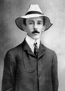 Alberto Santos Dumont, até o início da 2ª Guerra era oficialmente considerado o primeiro e único inventor do avião até mesmo pelos Estados Unidos